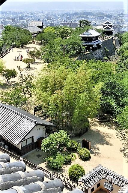 名城松山城を訪ねる旅、坊ちゃん列車路面電車の行き交う楽しい町松山・・・道後温泉と松山城、名君加藤義明_d0181492_22141842.jpg