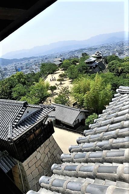 名城松山城を訪ねる旅、坊ちゃん列車路面電車の行き交う楽しい町松山・・・道後温泉と松山城、名君加藤義明_d0181492_22144318.jpg