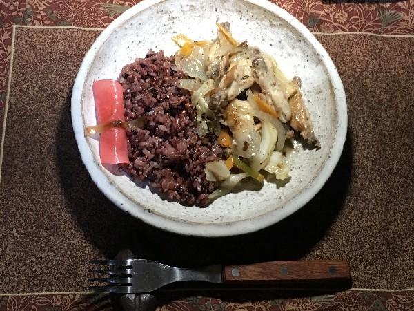 夕飯は手羽の野菜炒め_e0166355_18545207.jpg