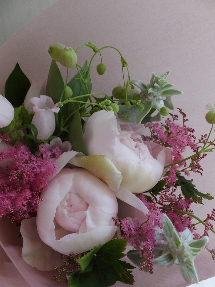 オークリーフ(6月の花束・ピンク色の花を入れて)_f0049672_11443926.jpg