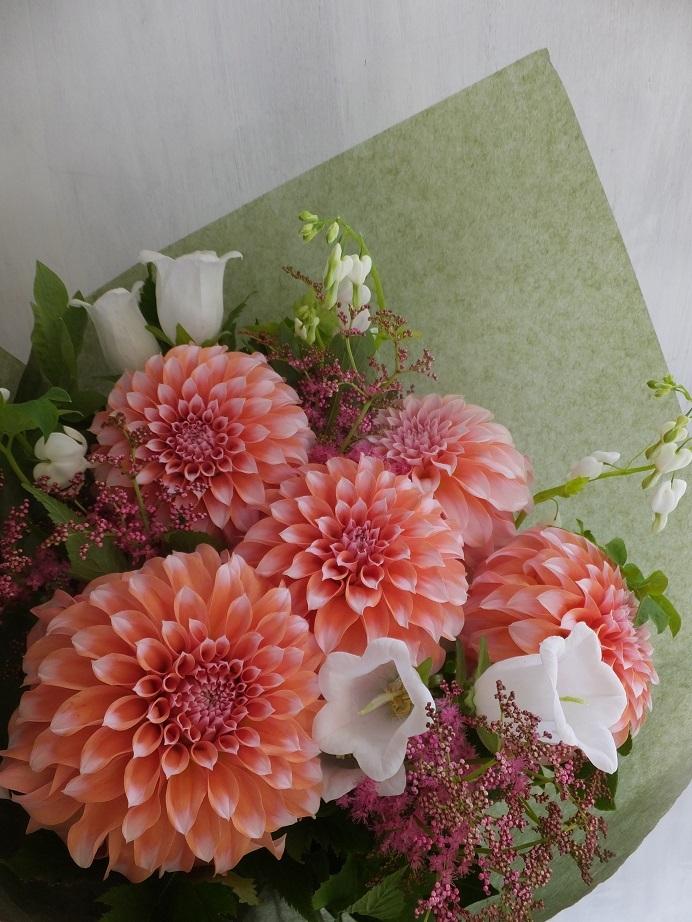 オークリーフ(6月の花束・ピンク色の花を入れて)_f0049672_11445683.jpg