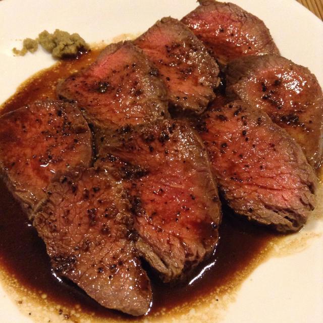 どうしても牛が喰いたいとローストビーフを焼く。_a0334793_12353897.jpg