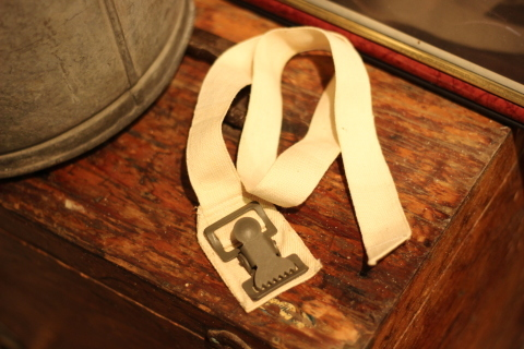 "【DEAD STOCK】 ""FRENCH MILITARY CANVAS BELT\"" & \""UK MILITARY 止血ベルト\"" ご紹介_f0191324_08304467.jpg"