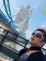 今日のGACKTさんLINEは・・・ロンドンのタワーブリッジを1時間ほど眺めていた。_c0036138_20064653.jpg
