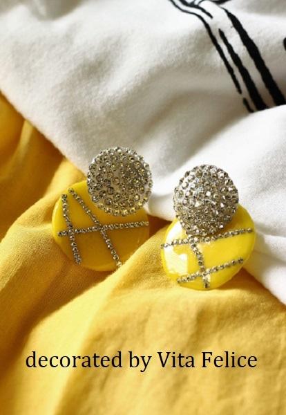 黄色の服に合わせて黄色のピアスを_b0310144_20413720.jpg
