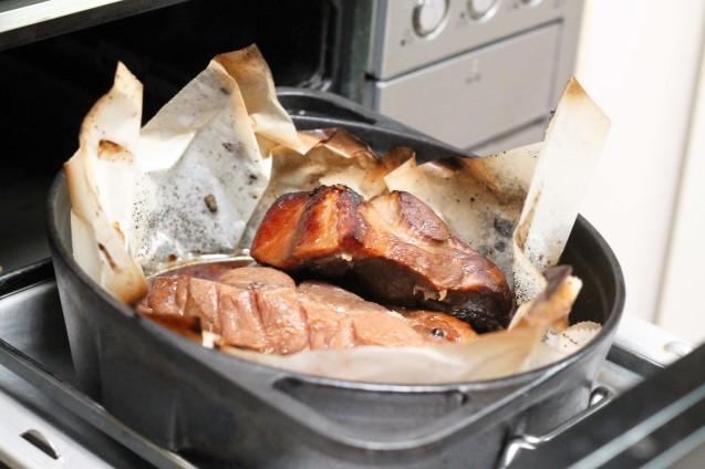 ダッチオーブンで焼き豚!_d0377645_22532026.jpg