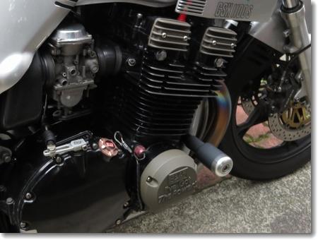 アルミエンジンカバー取り付け_c0147448_1549772.jpg