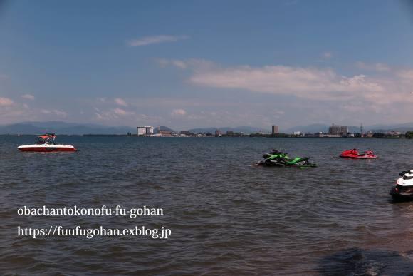 琵琶湖は、ぼちぼち夏色&遅ごはんは、お鍋ど~ん(^_^)v_c0326245_11503092.jpg