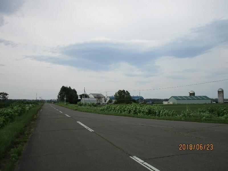 63日目【札幌−帯広-大樹町】十勝平野を南下すると素敵な宿がありました_e0201281_04564643.jpg
