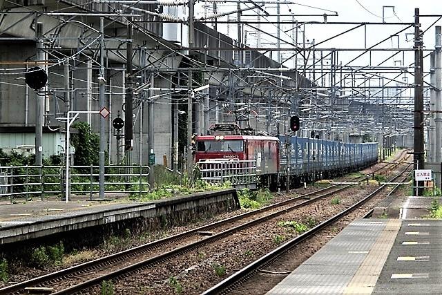 藤田八束の鉄道写真@貨物列車の写真、宮城県仙台市広瀬川と貨物列車「金太郎」、杜の都を走る貨物列車_d0181492_16440453.jpg