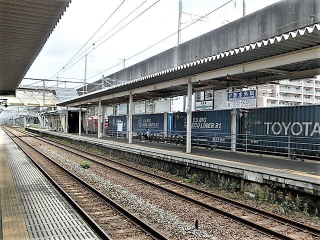 藤田八束の鉄道写真@貨物列車の写真、宮城県仙台市広瀬川と貨物列車「金太郎」、杜の都を走る貨物列車_d0181492_16444160.jpg