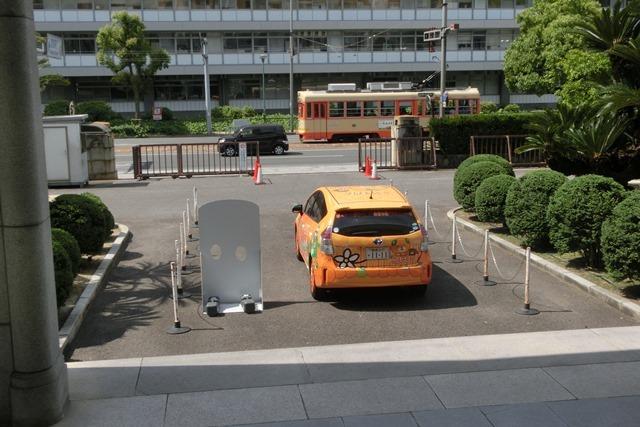 藤田八束の鉄道写真@四国松山での路面電車と松山の街並み、松山城と路面電車のお洒落なコンビ_d0181492_21001506.jpg