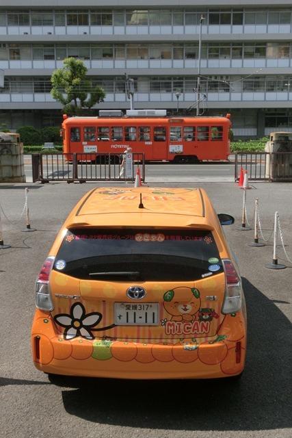 藤田八束の鉄道写真@四国松山での路面電車と松山の街並み、松山城と路面電車のお洒落なコンビ_d0181492_21002405.jpg