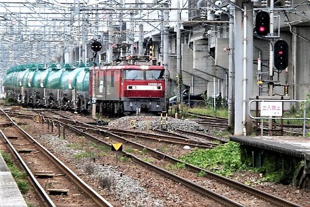藤田八束の鉄道写真@東北本線東仙台駅にて、タンクローリーの貨物列車金太郎がとっても元気に活躍しています_d0181492_08301092.jpg