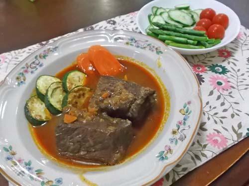 今朝の抹茶&牛肉の赤ワイン煮_f0019498_20322090.jpg