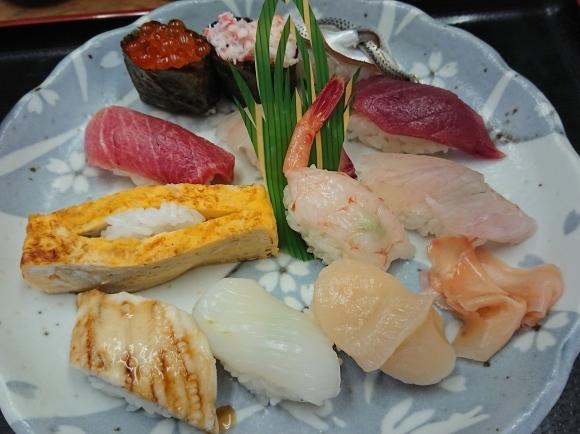 6/25 市場寿司たか 名物にぎり¥1,000 + 小肌¥150 + 缶ビール¥350@八王子卸売センター_b0042308_10040937.jpg