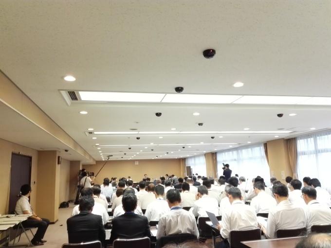 カープもいいけど議会も観ようぜ。広島市議会建設委員会_e0094315_10015924.jpg