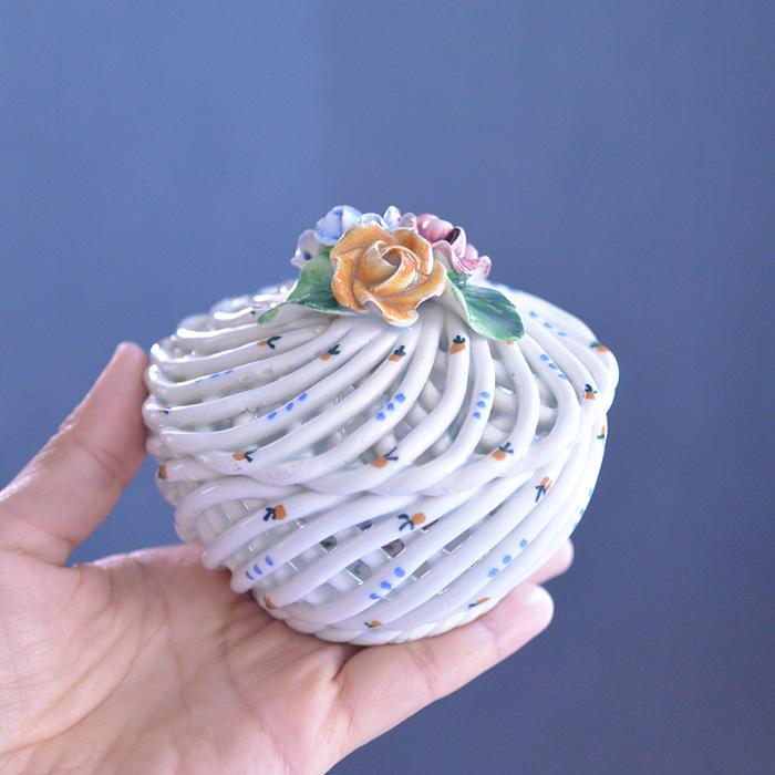 ◆フランスアンティーク*とてもときめいた♡陶器のパニエ・ボンボニエール_f0251032_15033183.jpg