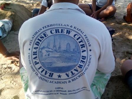 バリ島の若者の就職事情(海員学校)_d0083068_11372763.jpg