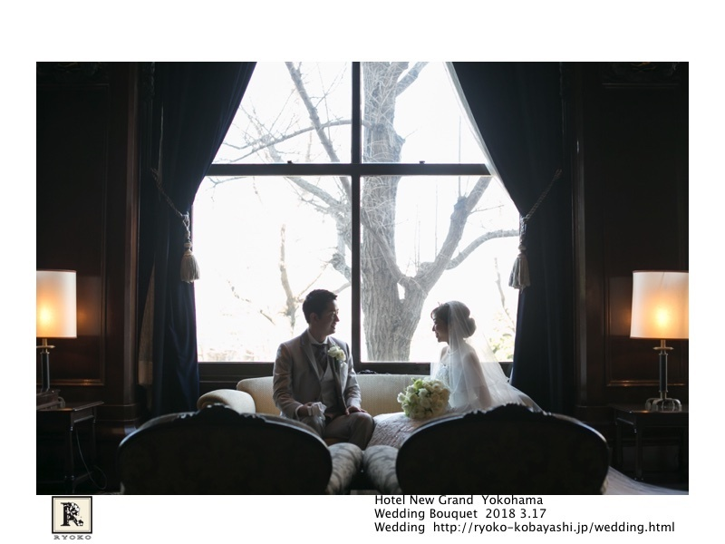 映画のワンシーンのような思わずうっとりしてしまうお写真をいただきました!Hotel New Grand Yokohama  Wedding Bouquet 2018 3.17_c0128489_20552020.jpg