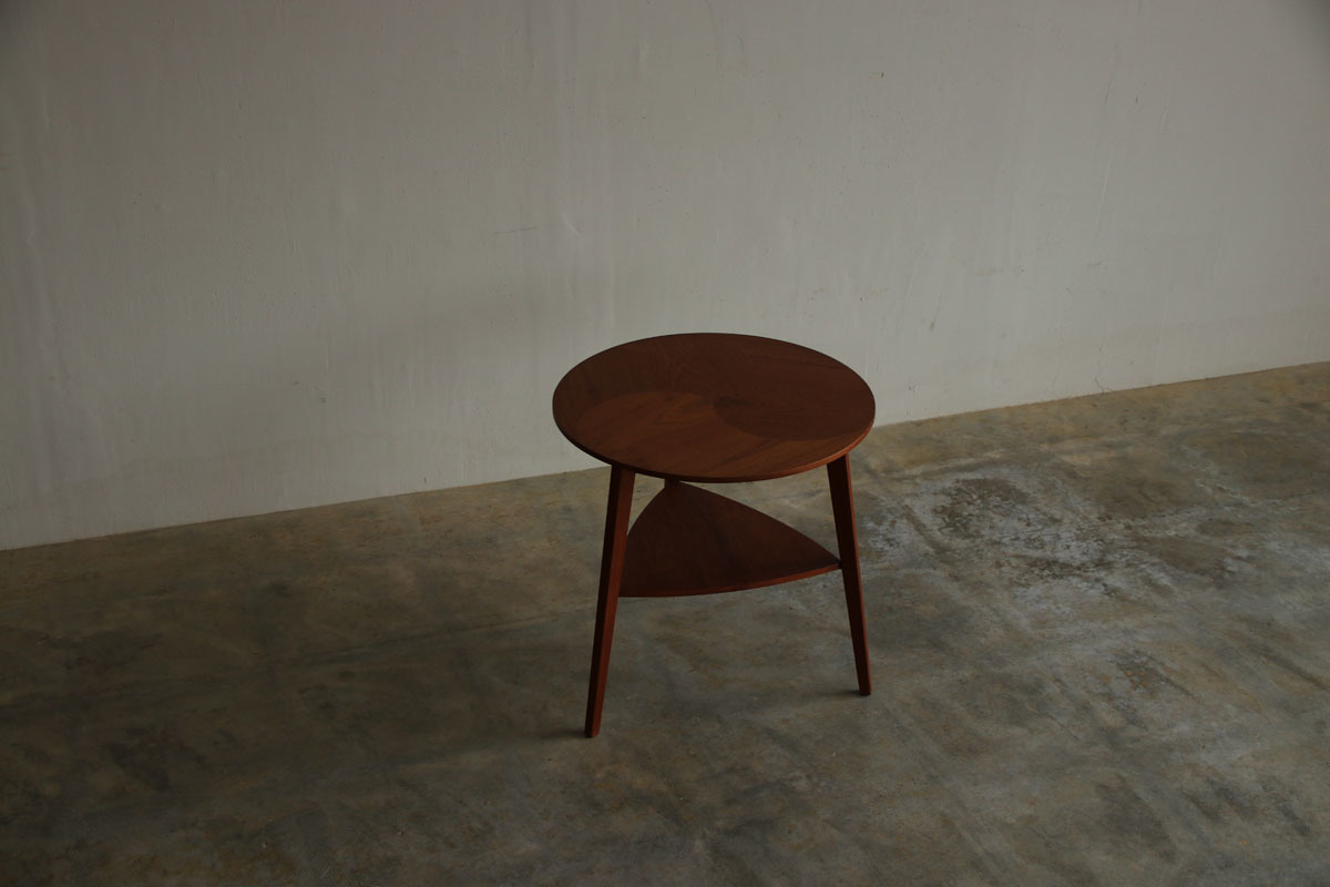 『Teak Round Side Table』_c0211307_22390403.jpg