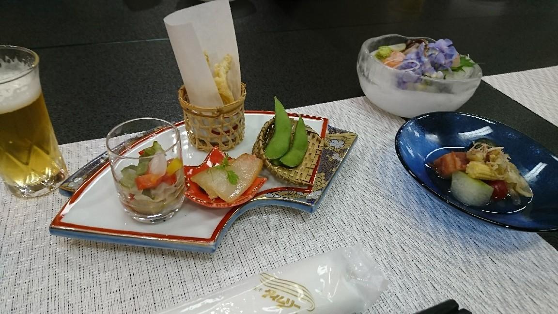 会議と小川屋さんの料理_b0237229_08095316.jpg