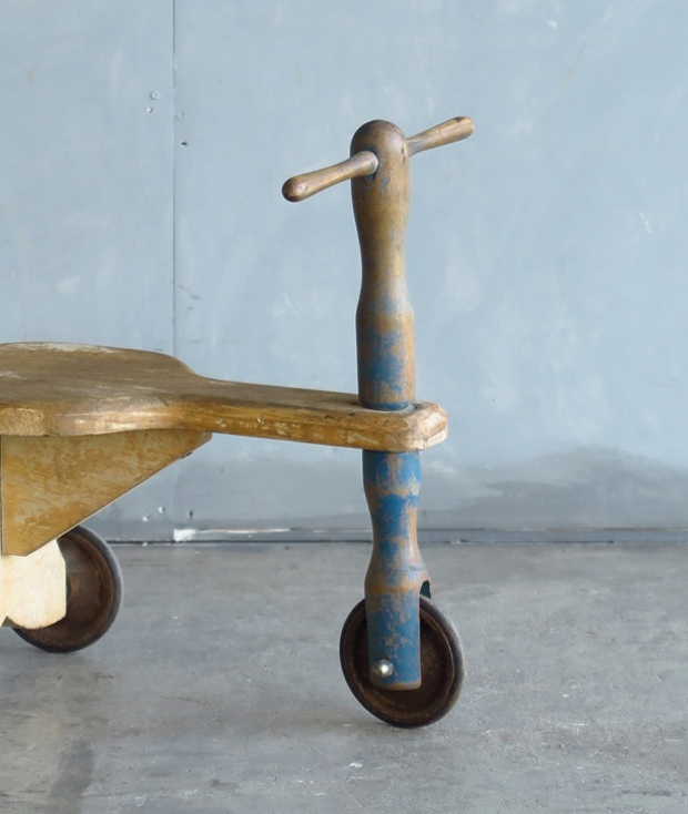 フランス製の三輪車_d0335577_10415930.jpg
