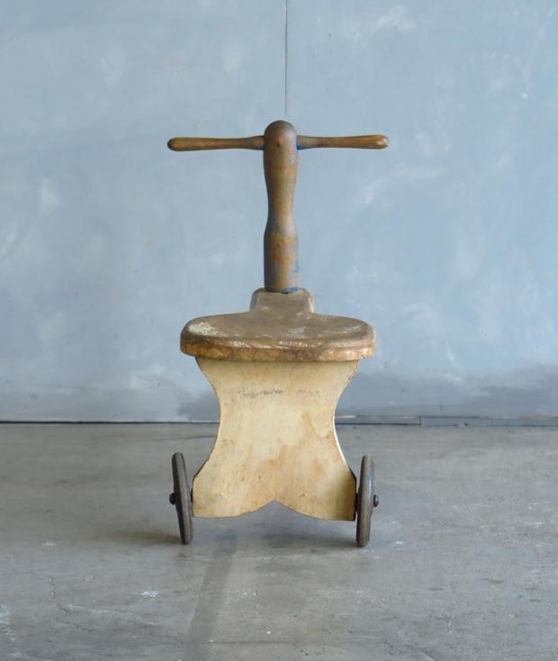 フランス製の三輪車_d0335577_10421145.jpg