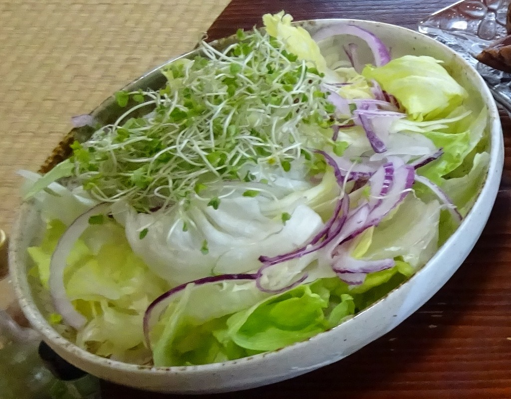 実家からの野菜2018 第二段!レタス、玉葱、サクランボも!_d0061678_13160734.jpg