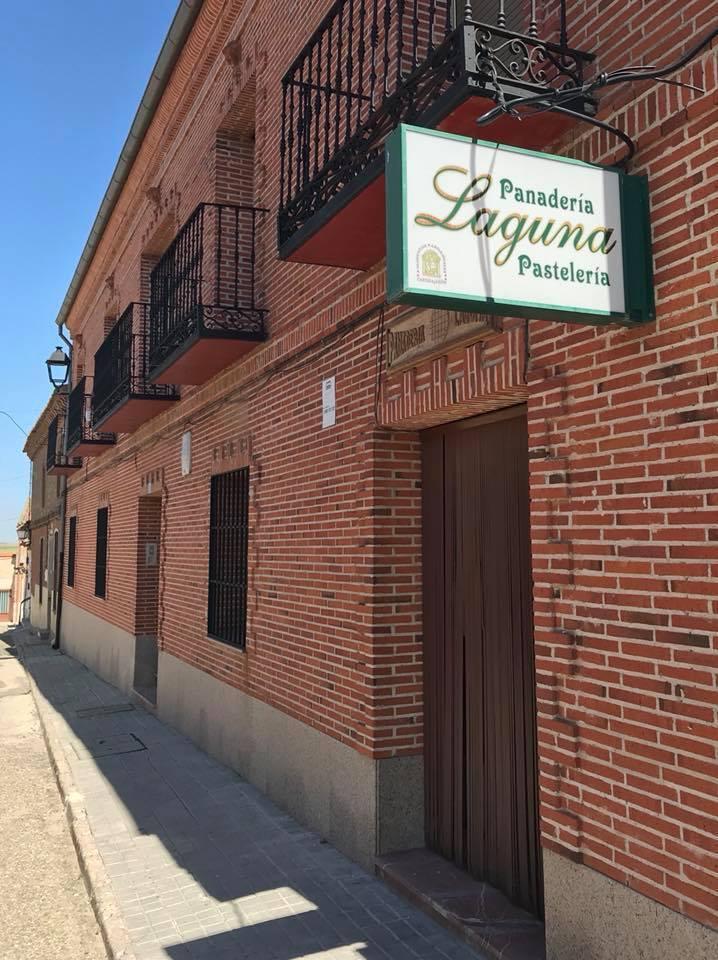 スペインの田舎パン_c0213220_08272645.jpg