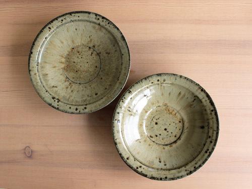 大沼道行さんの緑釉とわら灰釉のうつわ。_a0026127_15391862.jpg