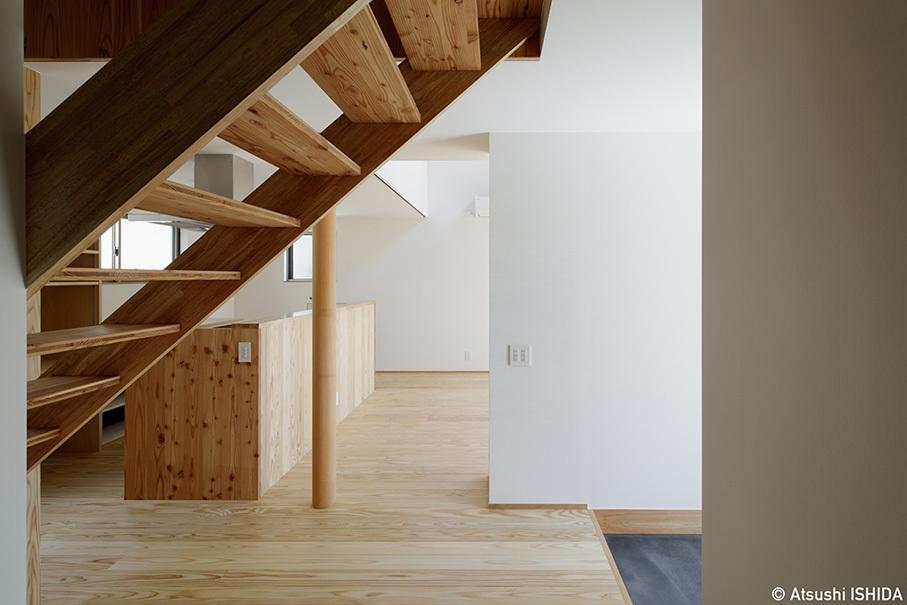 「鶴川の家」竣工写真・1階エリアと吹抜_b0061387_11542363.jpg
