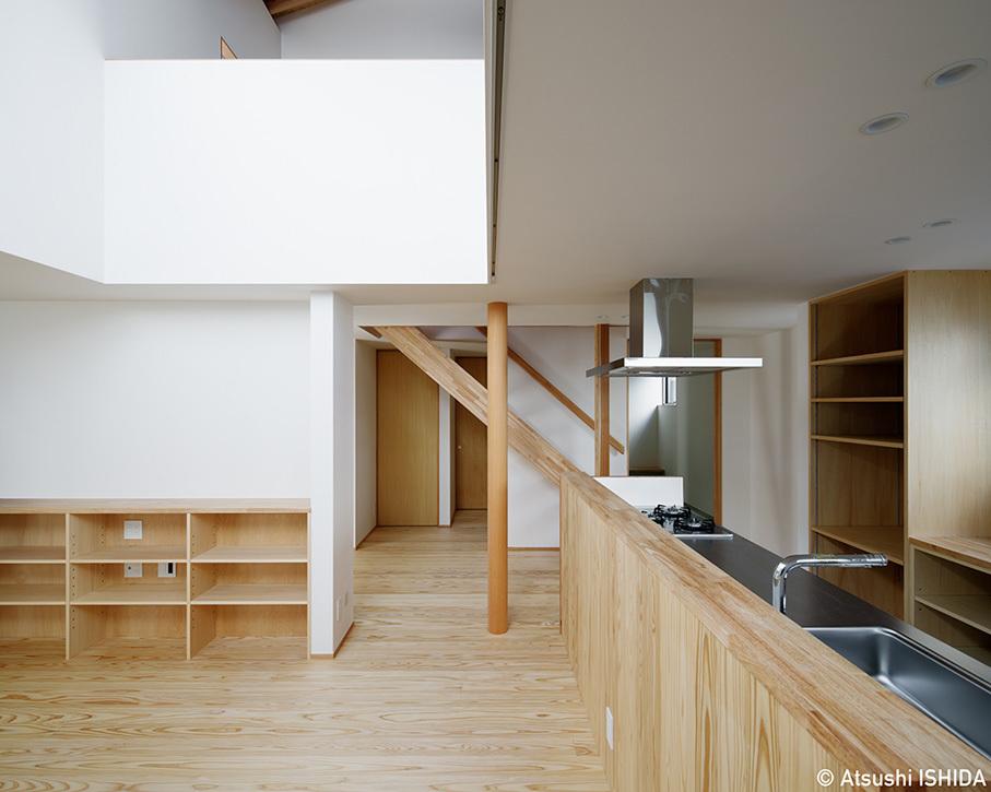 「鶴川の家」竣工写真・1階エリアと吹抜_b0061387_11543958.jpg