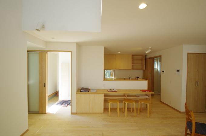 対面キッチンのフロント・テーブルカウンター_c0004024_12114879.jpg