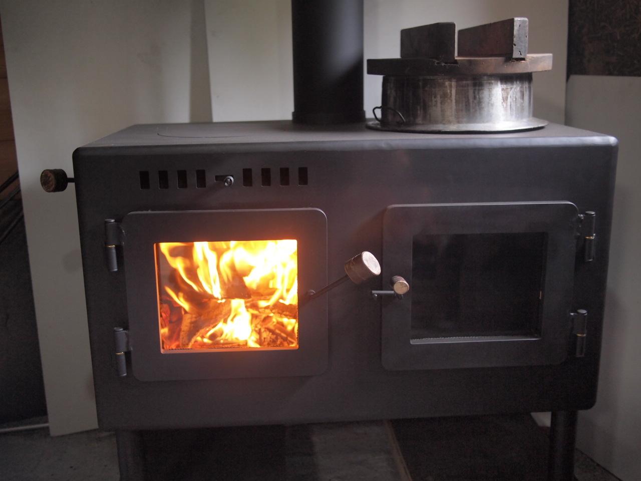 かまど型 オーブン付き 薪ストーブ kintoku横型_a0206732_12161336.jpg