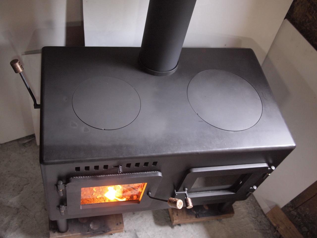 かまど型 オーブン付き 薪ストーブ kintoku横型_a0206732_12171642.jpg