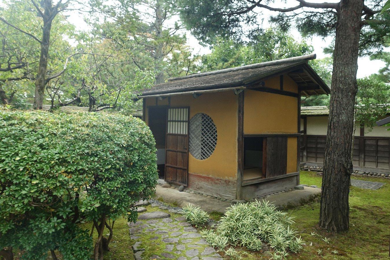 鶴ヶ城公園 茶室「麟閣」_c0112559_08312645.jpg