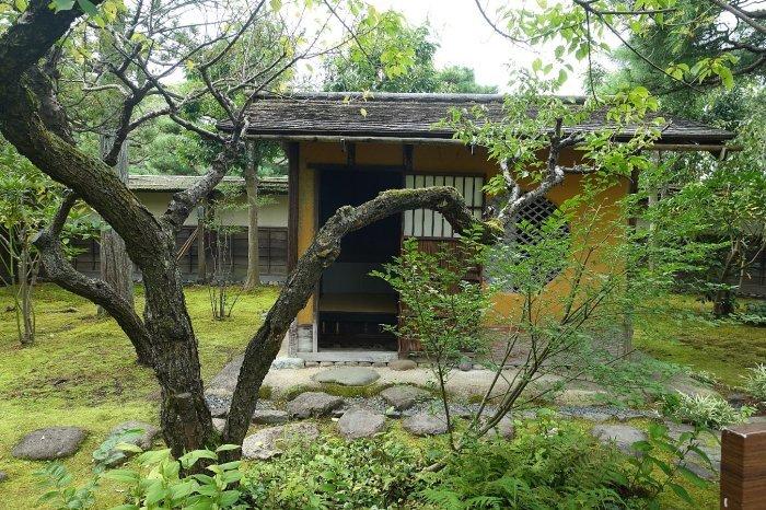 鶴ヶ城公園 茶室「麟閣」_c0112559_08344883.jpg