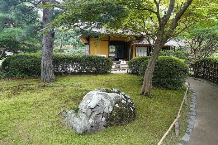 鶴ヶ城公園 茶室「麟閣」_c0112559_08352819.jpg