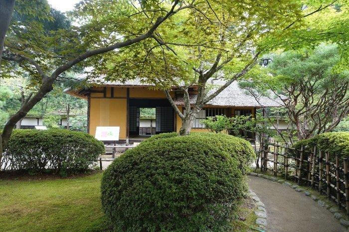 鶴ヶ城公園 茶室「麟閣」_c0112559_08373700.jpg