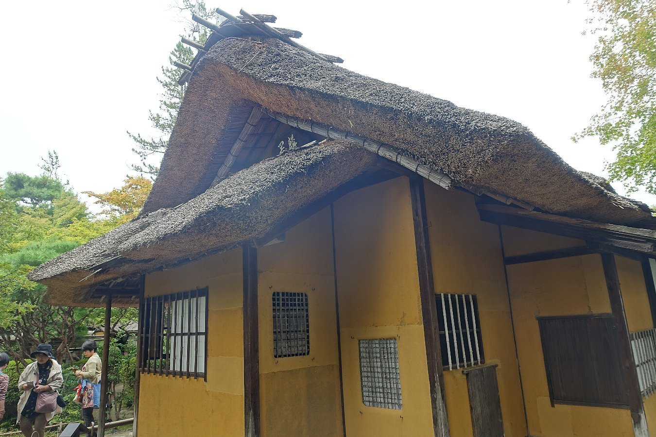 鶴ヶ城公園 茶室「麟閣」_c0112559_08395558.jpg