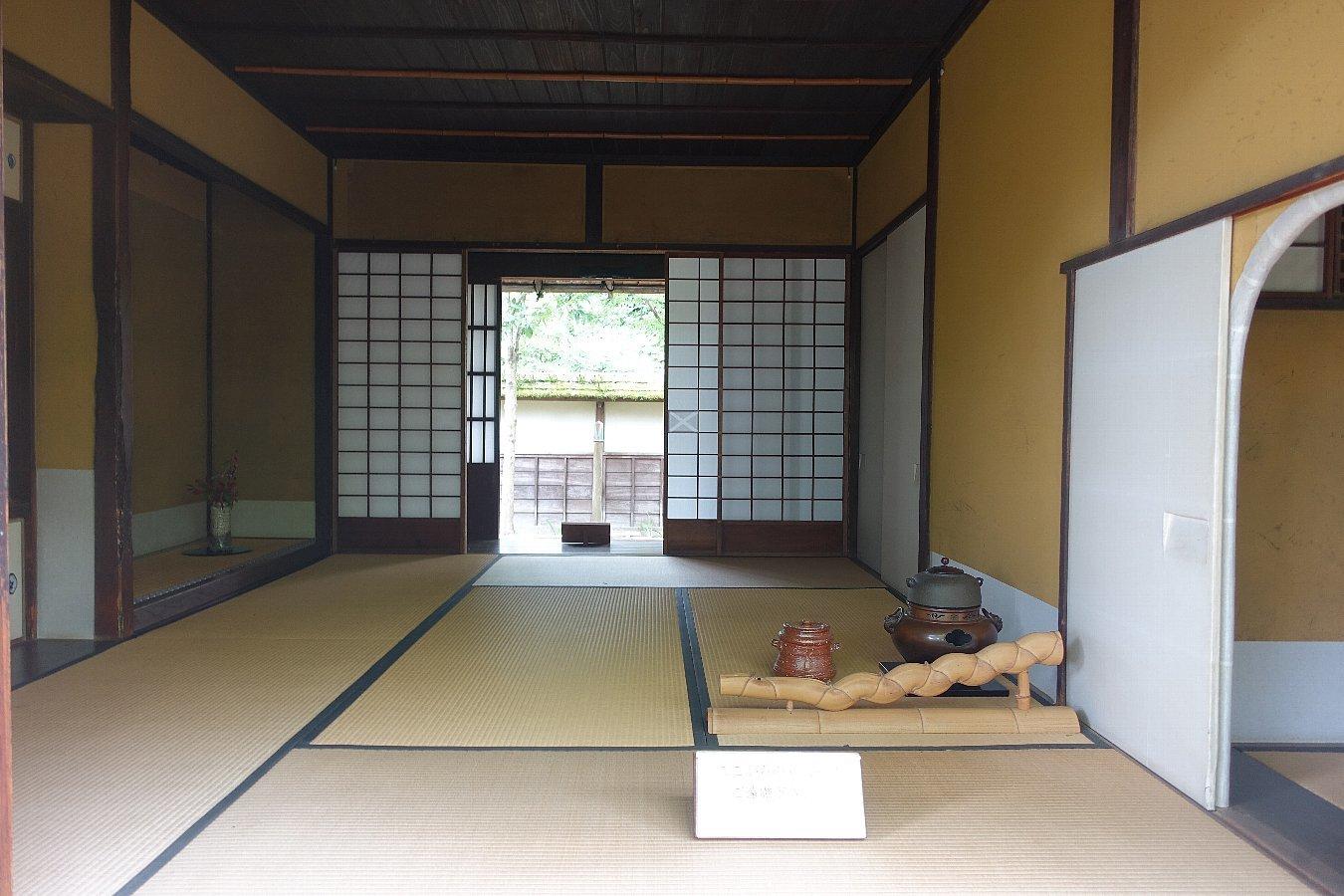 鶴ヶ城公園 茶室「麟閣」_c0112559_08405330.jpg