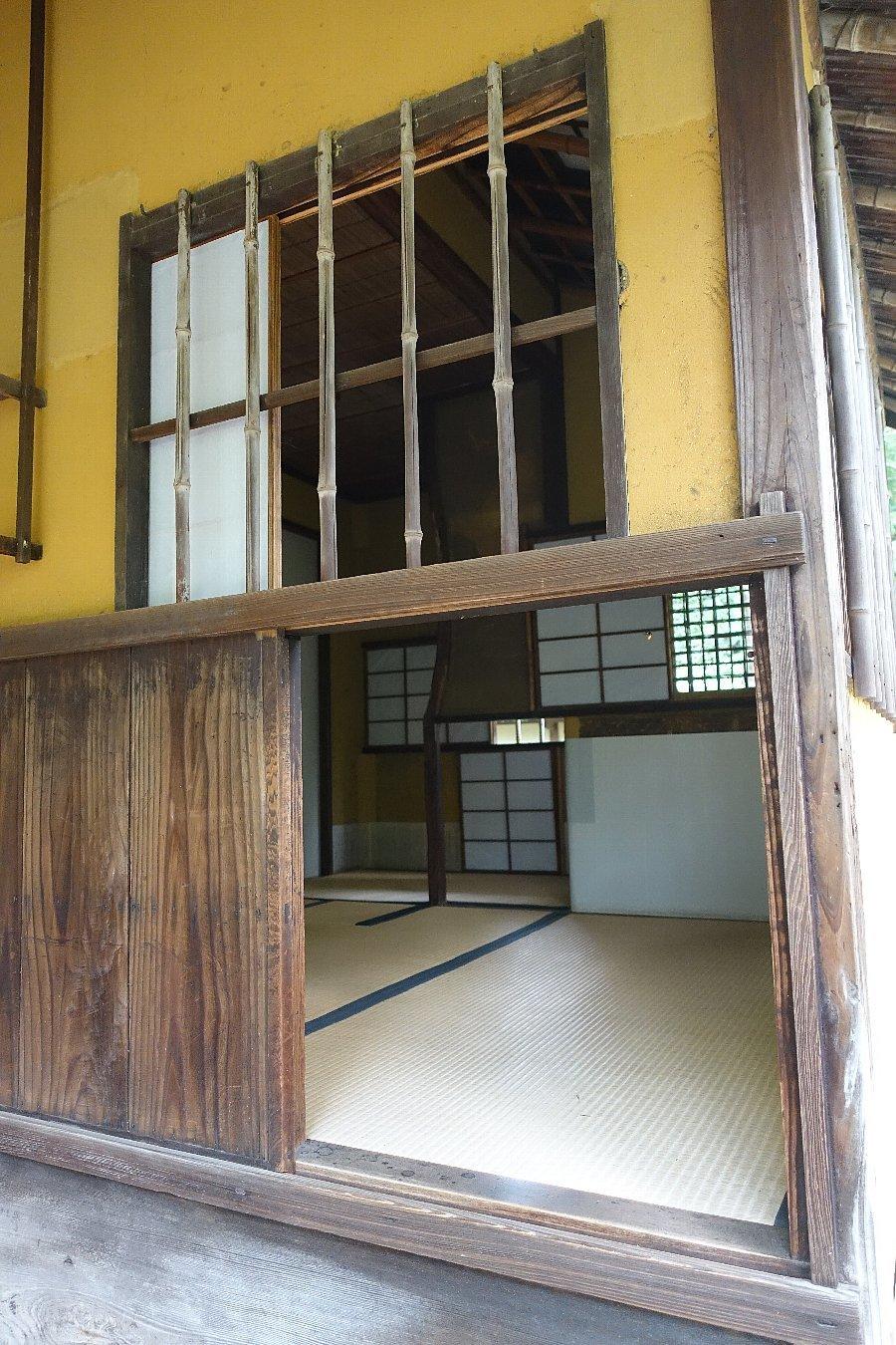鶴ヶ城公園 茶室「麟閣」_c0112559_08421594.jpg