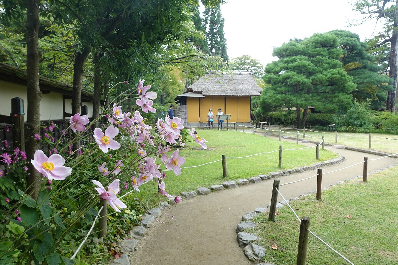 鶴ヶ城公園 茶室「麟閣」_c0112559_08440943.jpg
