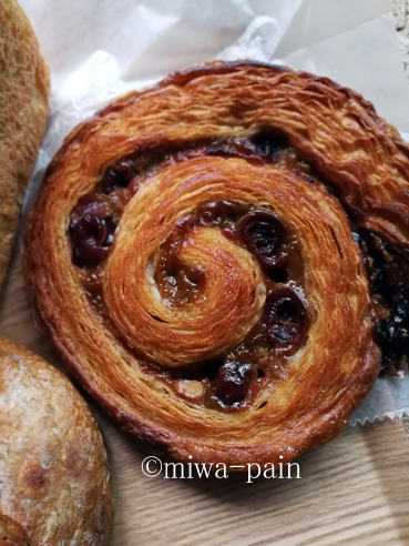 シュクレのパンを東京で常に食べられる世の中になってしまった。_e0197587_08392496.jpg
