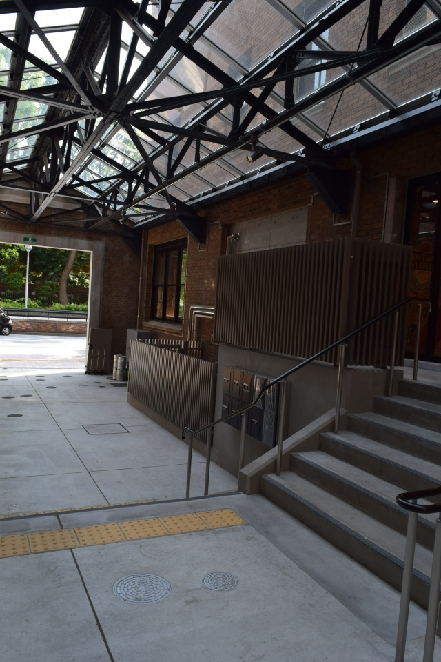 横浜中区日本大通りのTHE BAYS(昭和モダン建築再訪)_f0142606_12522684.jpg