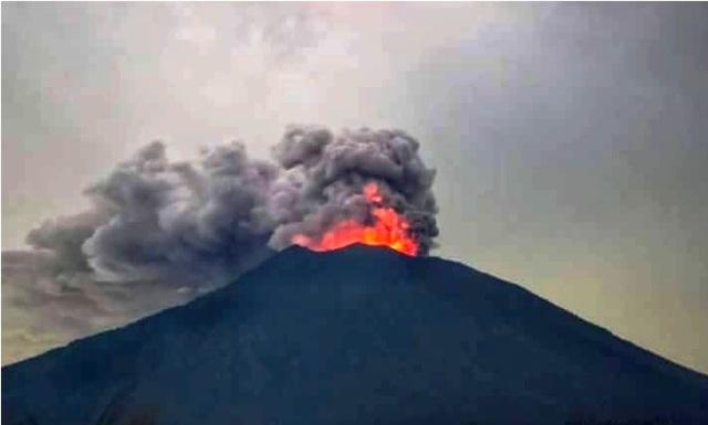 アグン山再爆発_d0083068_19004956.jpg