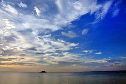 昨日の夕方は久々に海岸沿いに撮影に......_b0194185_21455266.jpg