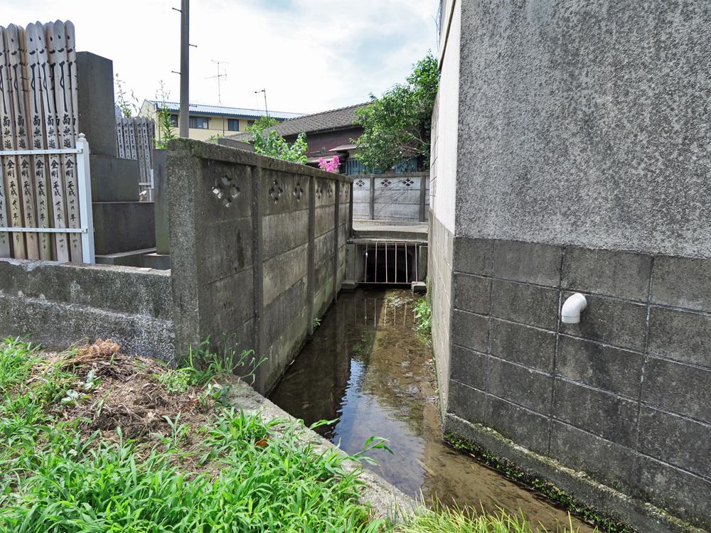 生きている暗渠を探せ!四谷用水流末の田んぼへの給水ルートを探る_c0163001_22521905.jpg