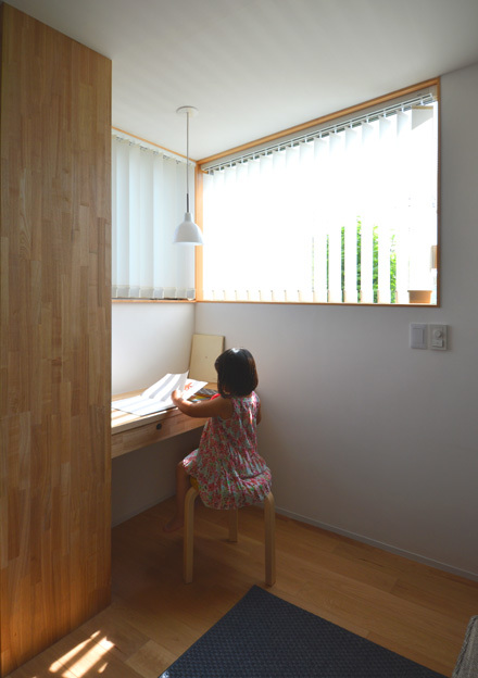 コーナー窓のあるワークスペース_b0183404_13541203.jpg